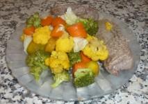 Steaks aux légumes vapeur