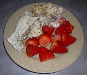 Gainer maison naturel deblanc d'œufs avec fraises